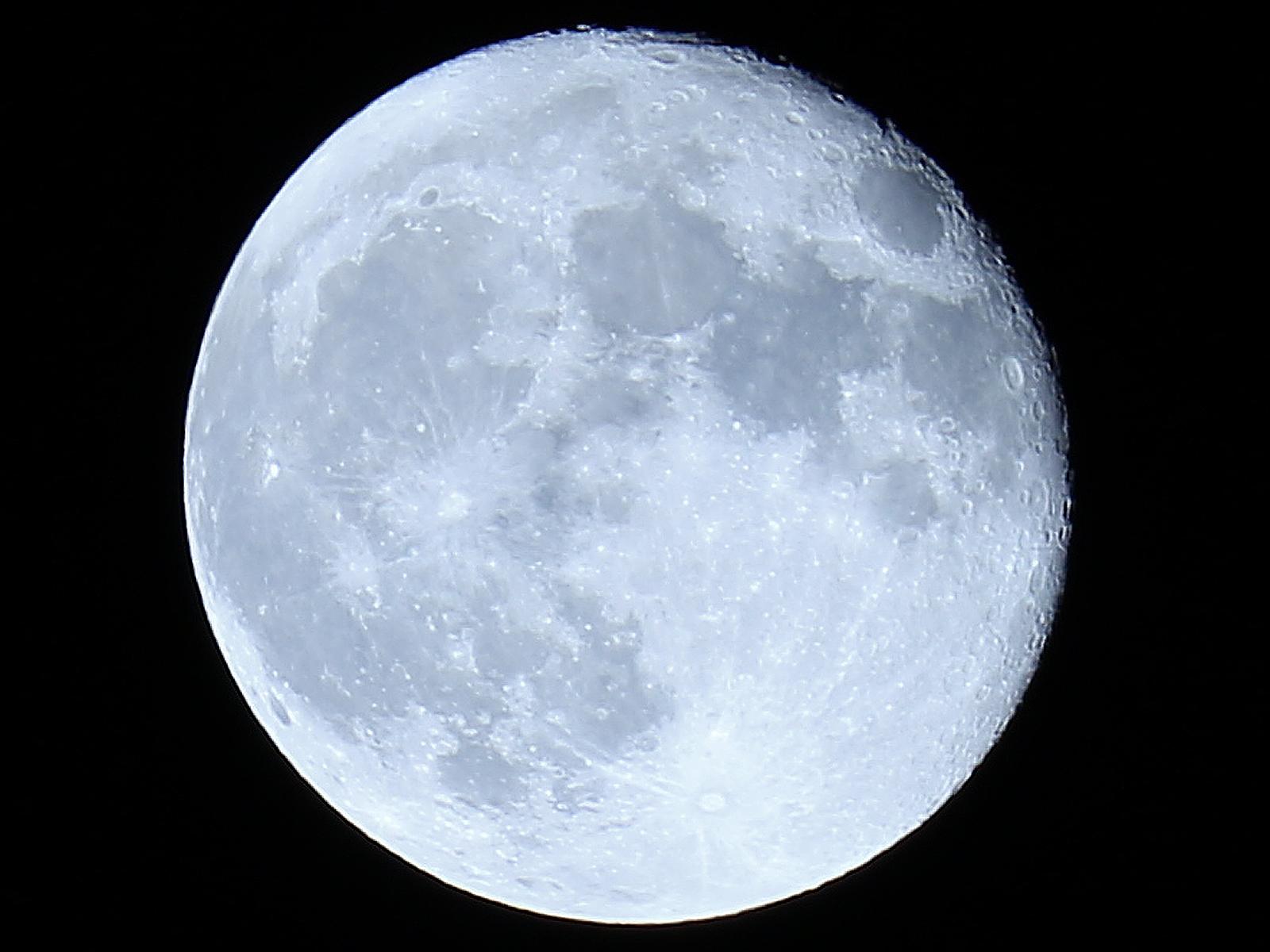 月:ホワイトバランスAUTO